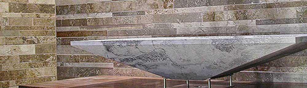 Arredo bagno in marmo rivestimenti in marmo for Marmo arredo