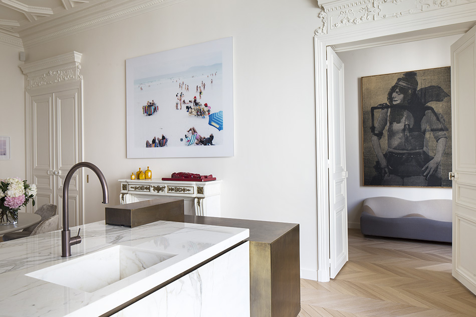 cucina marmo calacatta rivestimenti eleganti appartamento parigi